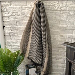 Accessories - Gorgeous Blanket Scarf